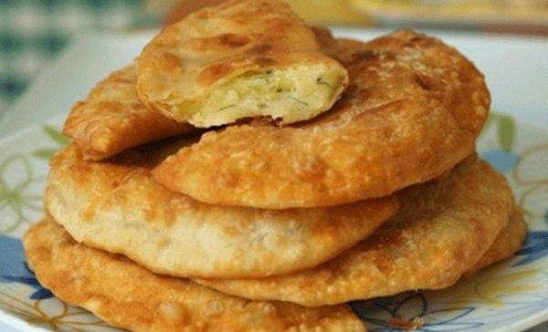Потрясающе вкусные пирожки-лепешки с картошкой и сыром!