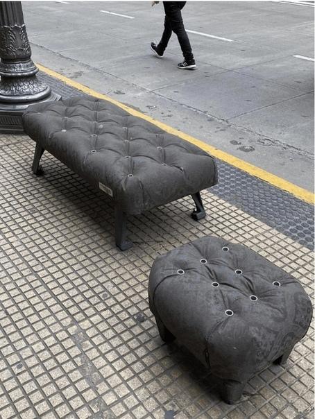 Эти скамейки в Буэнос-Айресе кажутся такими мягкими, хотя и сделаны из бетона