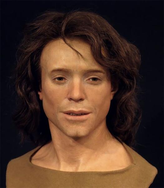 Археолог восстанавливает лица людей, живших за тысячи лет до нас, и рассказывает о них Скульптор и археолог из Швеции Оскар Нильссон специализируется на реконструкция лиц. Его последний проект