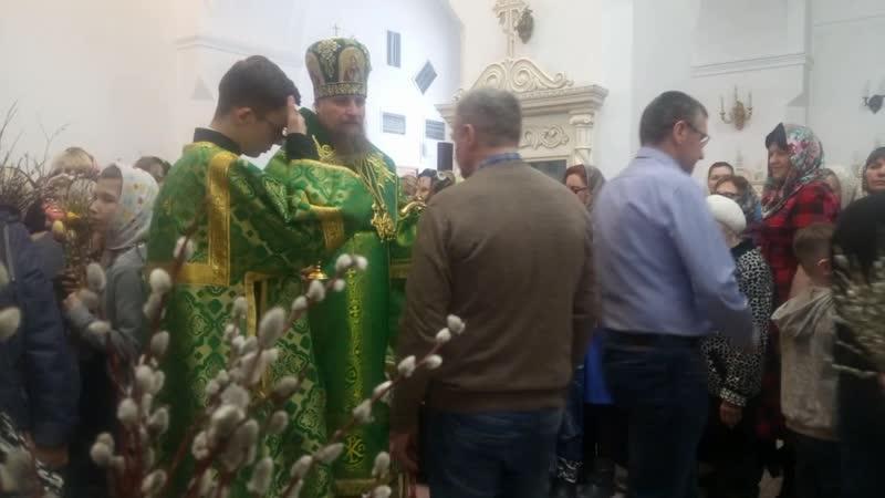 Чин освящения вербы в Салехардском храме Петра и Павла