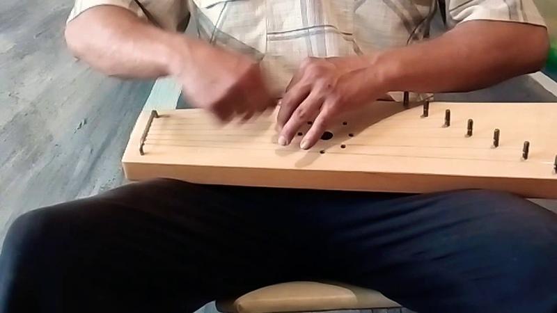 При долины. Играем на 7ми струнных новгородских гуслях