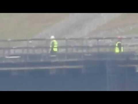 Работа путеукладчика на керченском мосте.Вид с горы Митридат.Керчь.