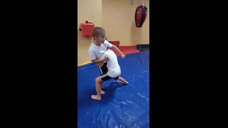 1 тренировочка , решили заняться рукопашным боем