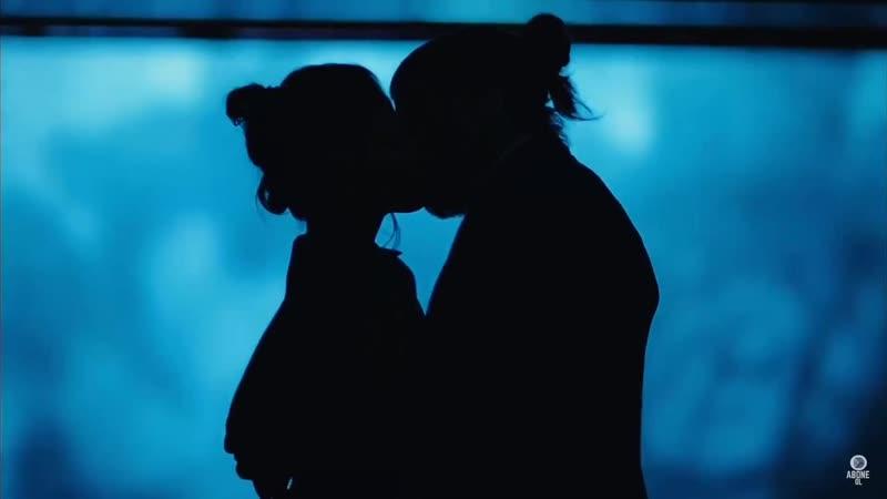 Романтический первый поцелуй. Джан и Санем. Отрывок из турецкого сериала Ранняя пташка (Erkenci Kuş)