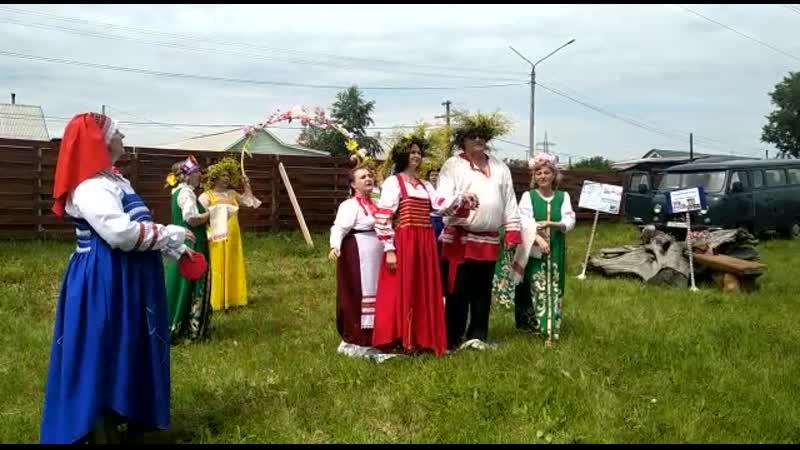Вокальный ансамбль «Порушка-Параня» Центра развития творчества (город Черногорск)