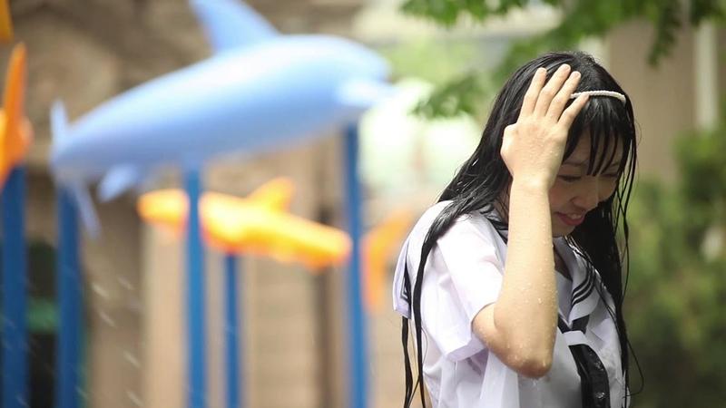 西西-夏日戲水(夏休みの水遊び/Summer Water Play)