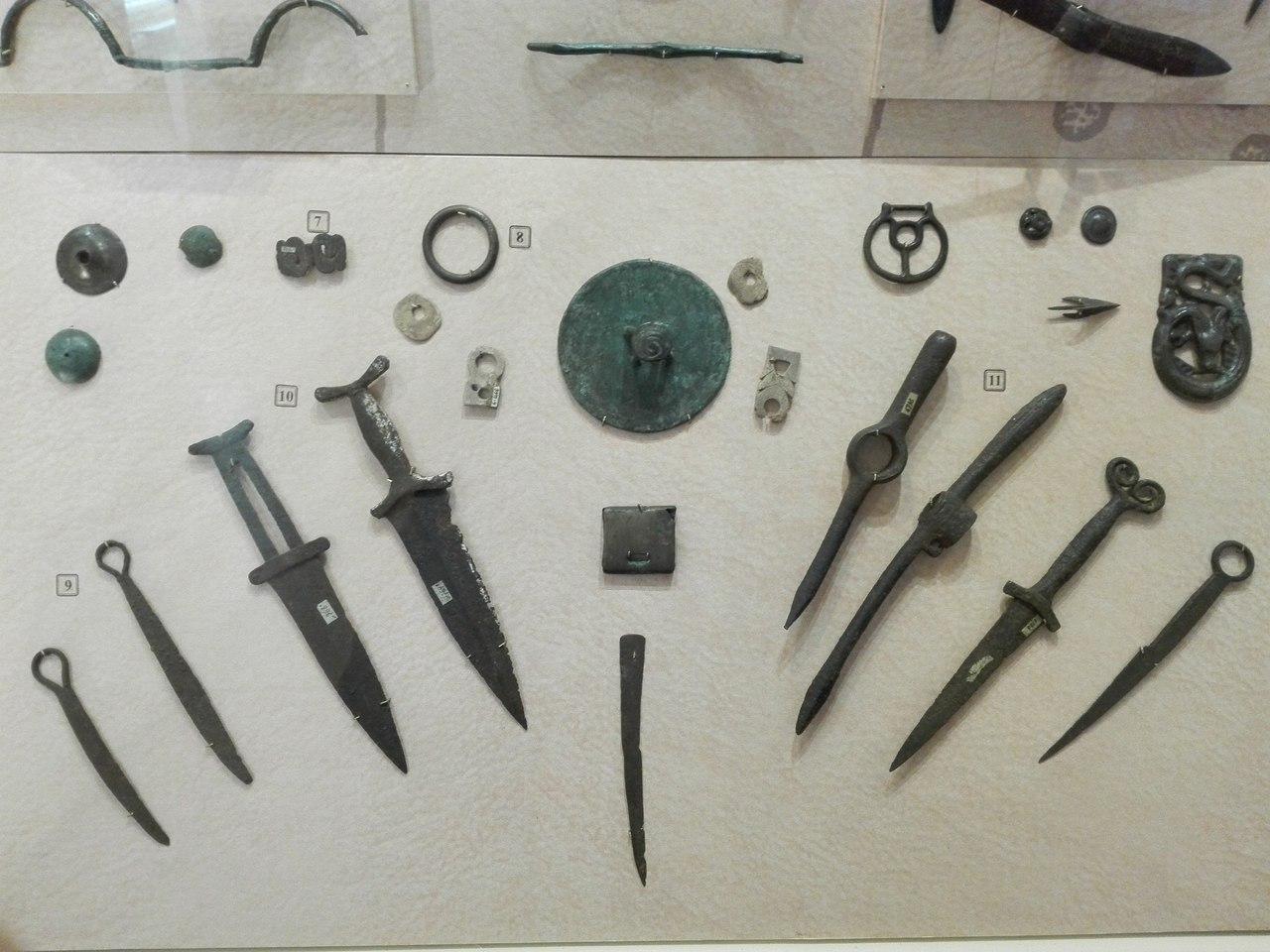 экспонаты из Минусинска