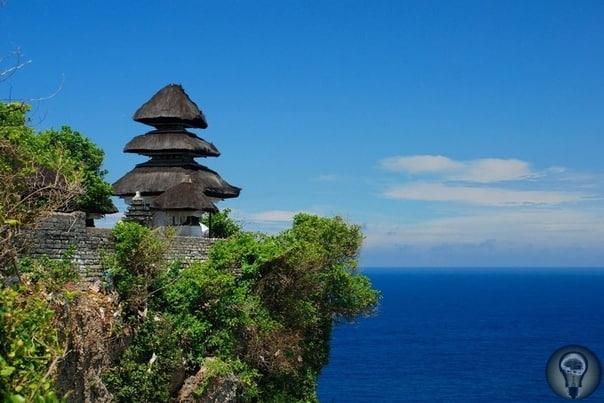 Остров Бали: 7 сакральных мест с невероятной энергетикой Бали называют Островом Богов. По легенде, высшие существа сотворили его для себя, а людям разрешили пользоваться его дарами при условии,