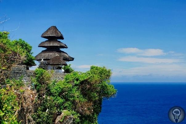 Остров Бали: Семь мест с невероятной энергетикой Бали называют Островом Богов. По легенде, высшие существа сотворили его для себя, а людям разрешили пользоваться его дарами при условии, что те