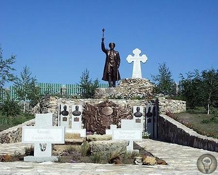 Кому из генералов «Белого дела» есть памятники в России