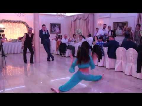 Шок жениха от танца живота невесты Shock of the groom from the dance of the bride