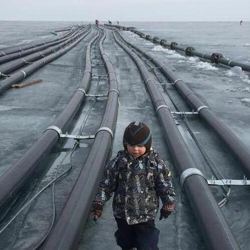 Против завода на Байкале с начала года протестуют местные жители. Его строят для экспорта воды в Китай