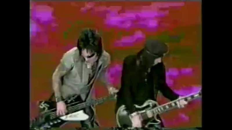 Motley Crue - Shout At The Devil (97 version).480