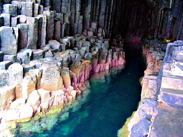 Фингалова пещера. Шотландия.