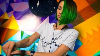 Miss Monique - Mind Games Podcast 083 (Live @ Radio Intense ) // Progressive House Mix
