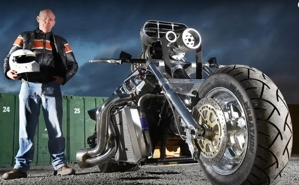Поразительные мотоциклы с автомобильными двигателями