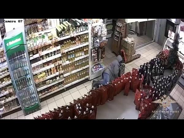 В Калининграде вор пытался украсть содержимое банкомата в магазине