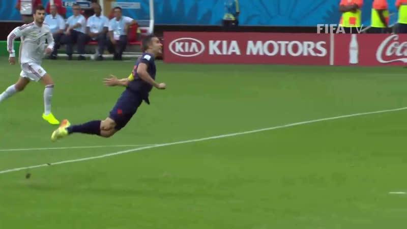 Ровно 5 лет назад Робин ван Перси превратился в Летучего голландца, а его сборная разнесла в щепки испанцев