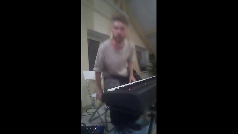 Орёл маленькое ночное пианино из студии Радуга Andrew Jasinski