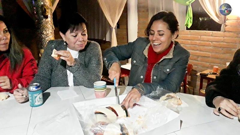 Partimos Rosca de Reyes y Mira quièn pagarà los tamales el dìa de la Candelaria