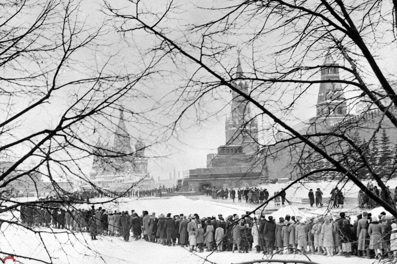 Очередь в Мавзолей Ленина, 1968 год.