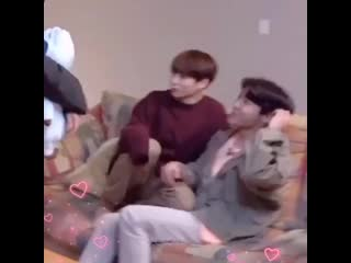 Jungkook just wants to hold n cuddle his hobi hyung .mp4