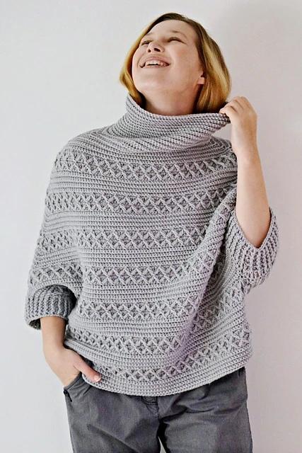 Вязаный крючком свитер-пончо Melt
