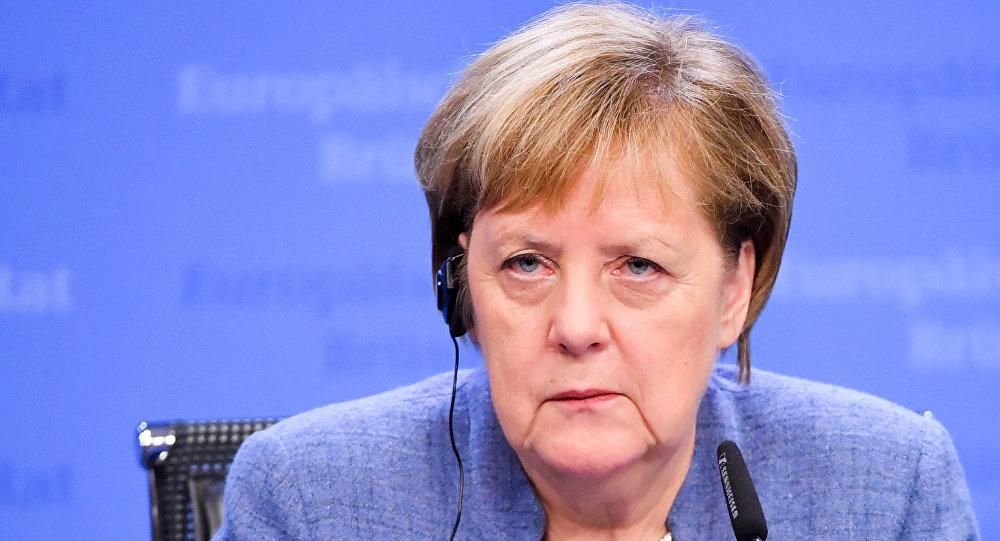 Меркель приняла решение по России