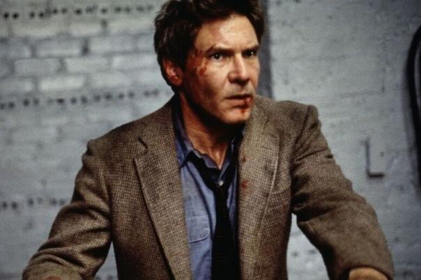 Warner Bros и режиссер «Из ада» снимут ремейк «Беглеца» с Харрисоном Фордом Еще одна классика 90-х годов попала на киноконвейер.Студия Warner Bros. перезапустит детективный триллер «Беглец»