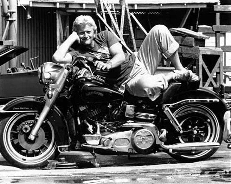 Известный актёр и мотоциклист Рутгер Хауэр умер в возрасте 75 лет
