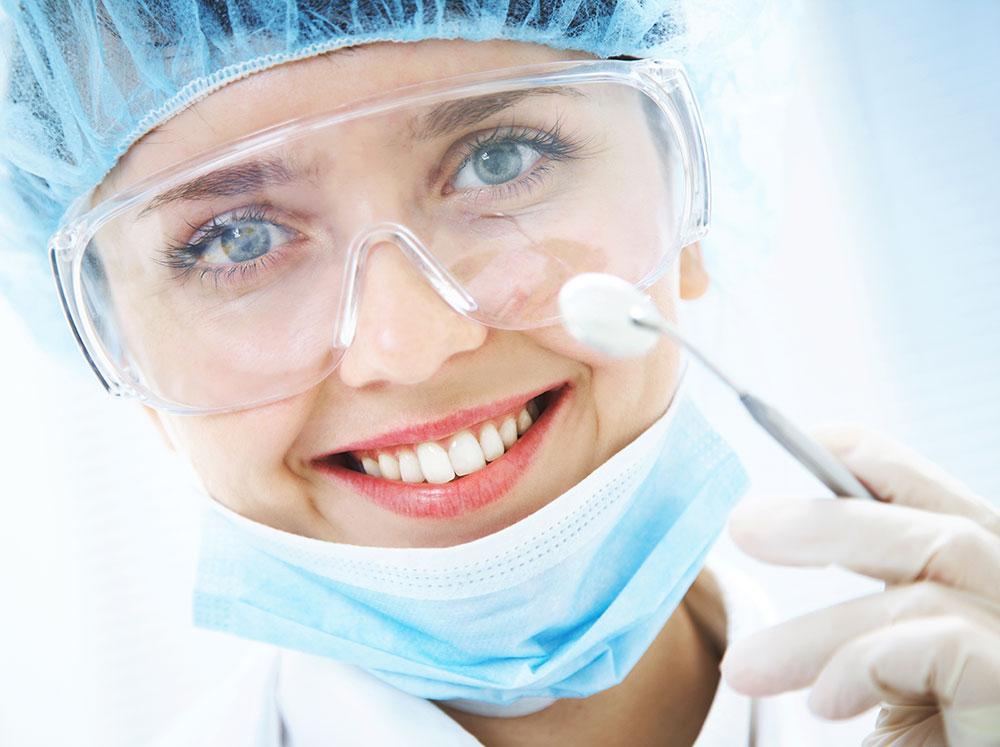 К стоматологу с полисом