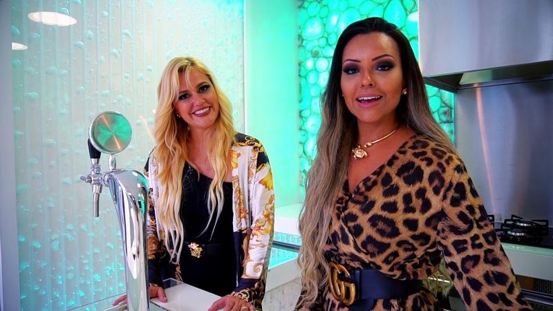 CASAS Curvas com Iara Kílaris Casa Versace