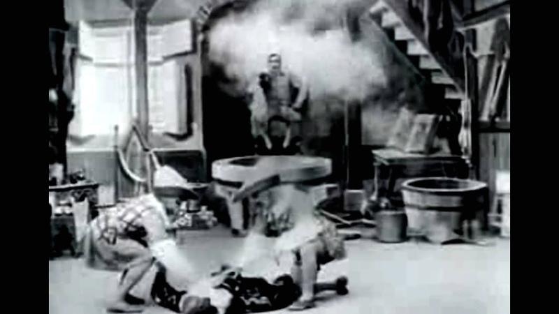 Georges Méliès -1906- LAlchimiste Parafaragamus ou la Cornue infernale, el alambique infernal