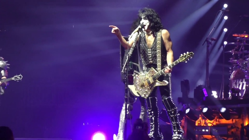 KISS - I Was Made For Loving You @Fiserv Forum - Milwaukee, WI - 312019