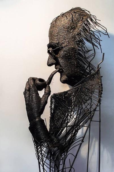 Портреты исторических личностей из проволоки Румынский скульптор Darius Hulea (Дариус Хулеа) в своих скульптурах из железной, нержавеющей, латунной и медной проволоки мастерски смешивает