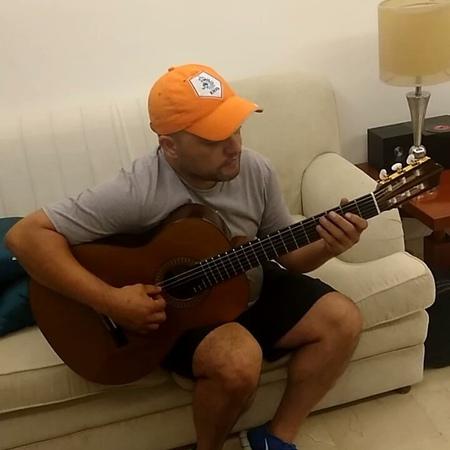 """Ruben Gavidia on Instagram: """"Aquarela na quixaba la tocaré en las noches de Guataca este 22 de octubre @guatacaoficial @espacio.plural @trasnochocu..."""