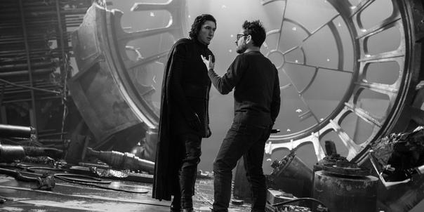 Джей Джей Абрамс и Адам Драйвер на съёмках девятого эпизода «Звездных войн»