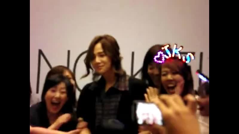 [22.04.2011] JKS Autograph session in Singapore - Part 4.flv