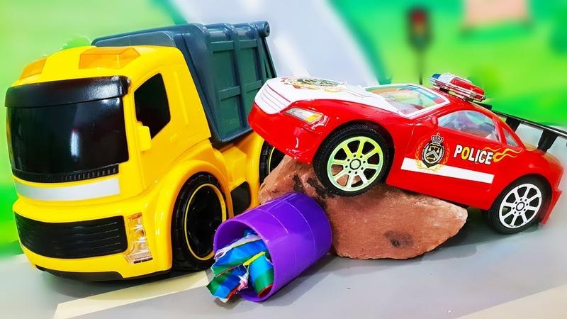 Мультики про машинки Лего город в опасности Желтый мусоровоз делает свою работу Видео для детей