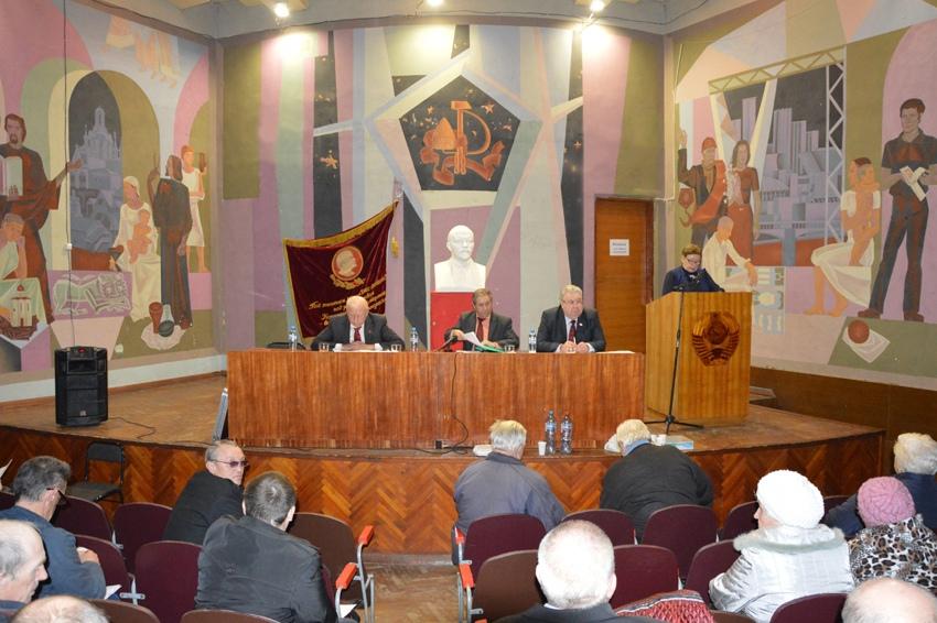 От успешной борьбы против муниципальной реформы — к победе на местных выборах: коммунисты ЕАО провели пленум обкома