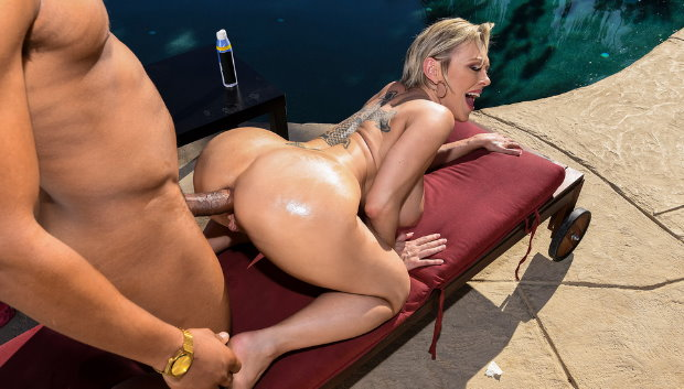 Brazzers - Backyard Banging