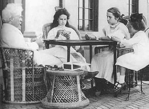 Дочери Марка Твена - Клара, Сюзи и Джейн Лэмптон «Джин» Клеменс.