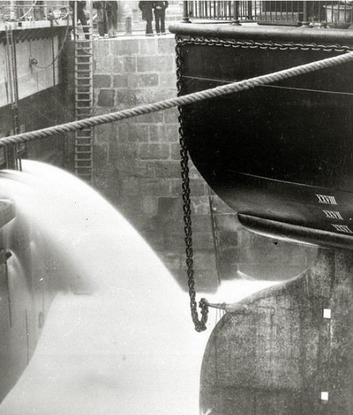 НИКОЛАЕВСКИЙ СУХОЙ ДОК ВО ВЛАДИВОСТОКЕ Постройке этого сухого дока придавалось особо важное значение, ибо он давал возможность в военное время нашему флоту стать твердой ногой на Дальнем
