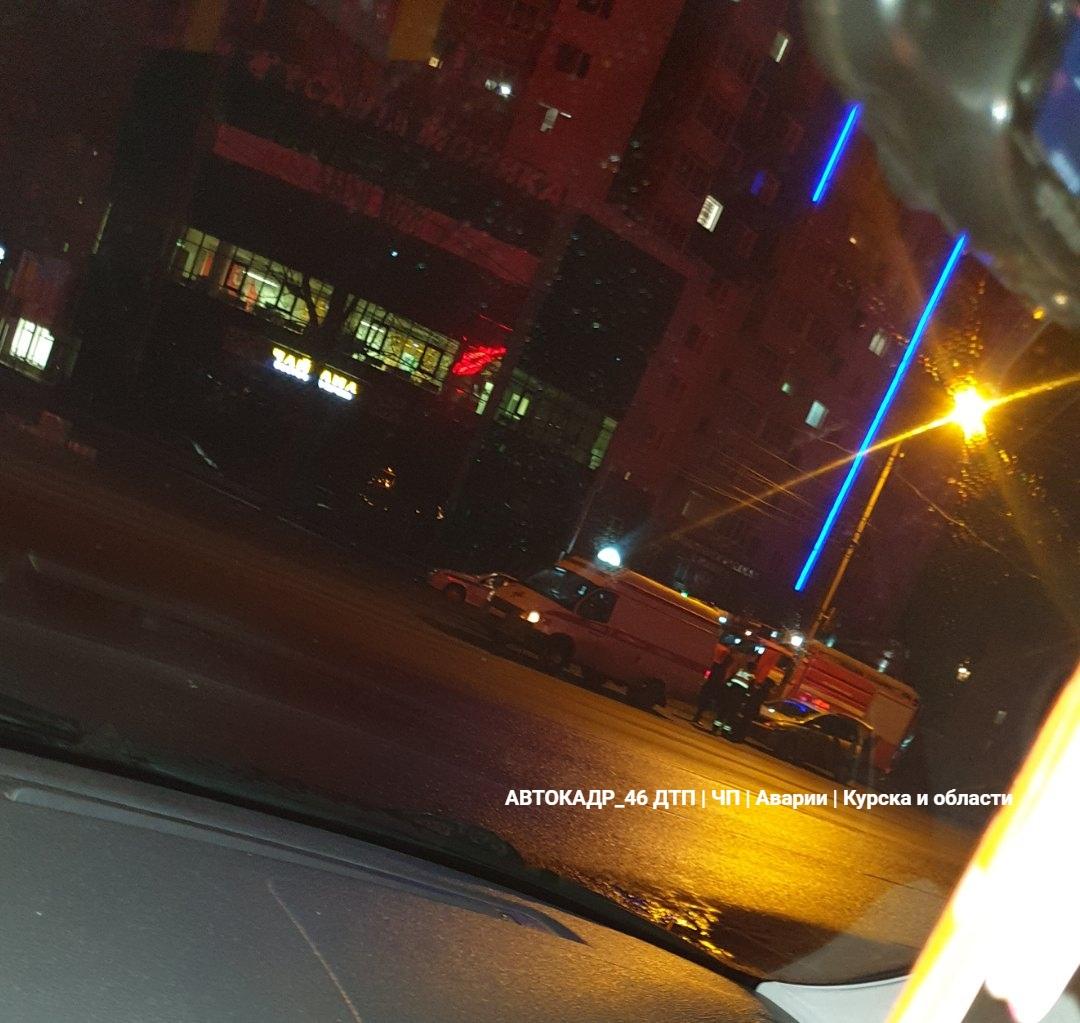В Курске ВАЗ догнал Nissan - ранен водитель иномарки