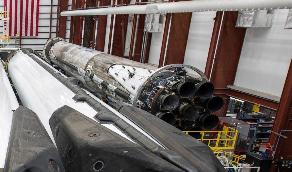 Заканчивается подготовка Falcon Heavy Block 5 к полету