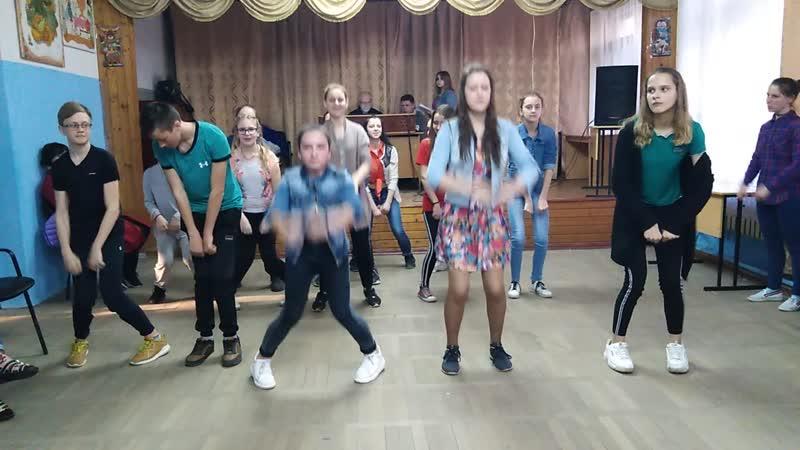 Танец 2ого отряда Перцы