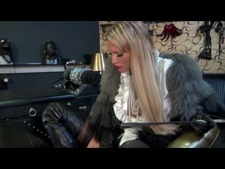 Mistress boot and feet worship