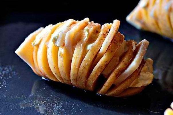 Запечённый картофель с сыром на обед!