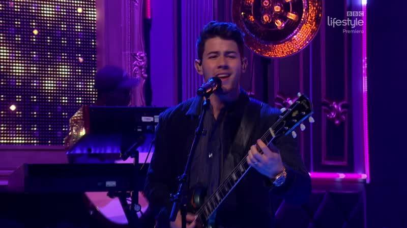 Jonas Brothers - Sucker (The Graham Norton Show 25-08 - 2019-05-31)