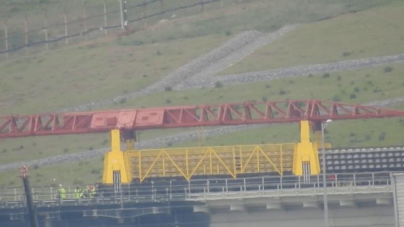 Неуловимый Джо пойман ! Путекладчик на керченском мосту-за шумзабором.Керчь.